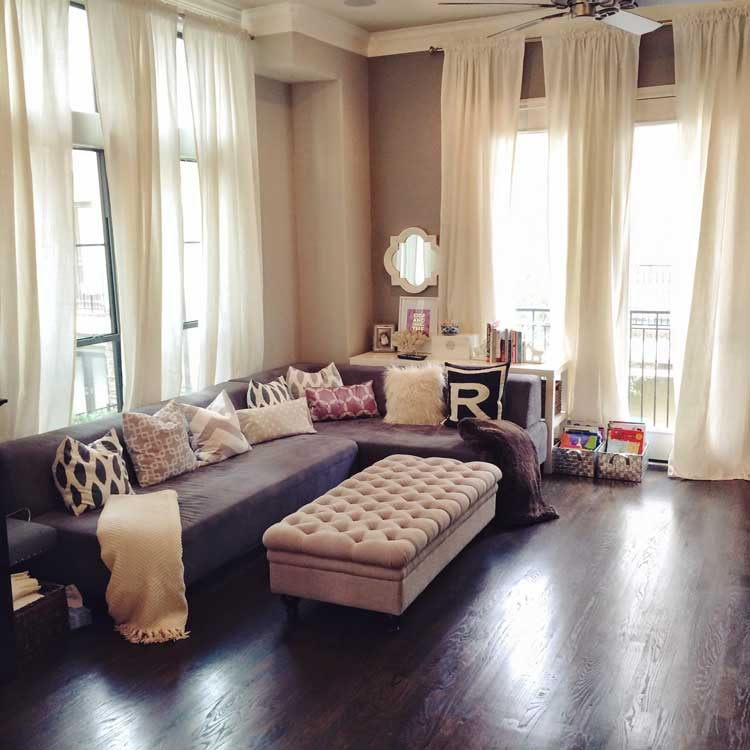 Living Room without a Guest Table