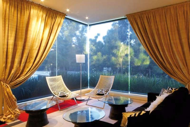 living room curtain with Striking Colors