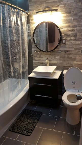 Small Size Bathroom with Natural Stone