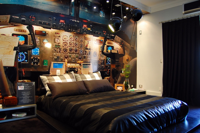 Unique bedroom design with a plane theme