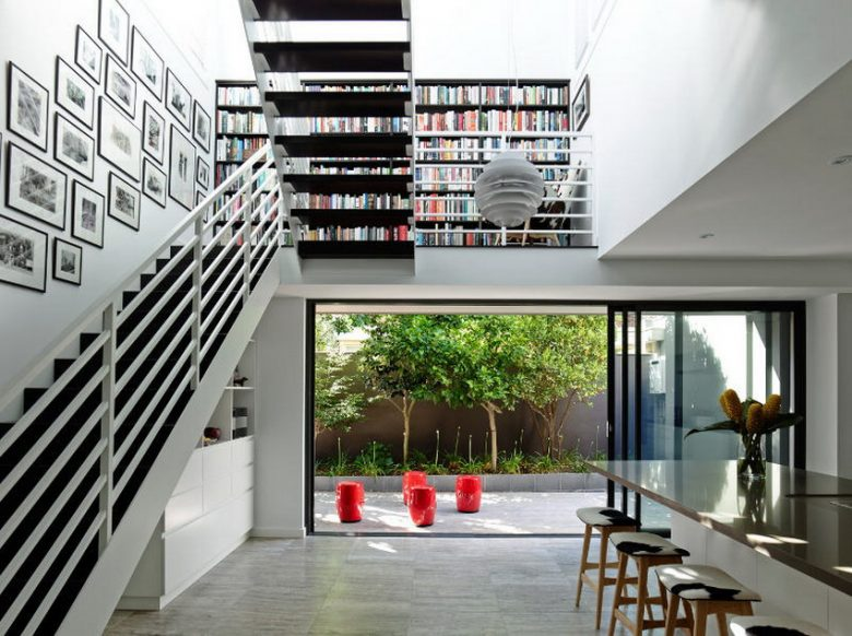 Bordes Stairs As A Mini Library