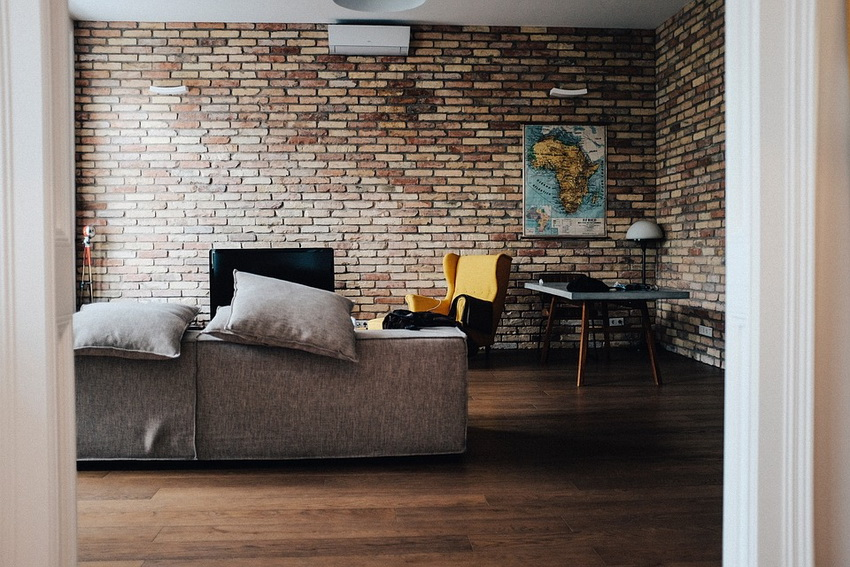combination of brick walls and natural materials