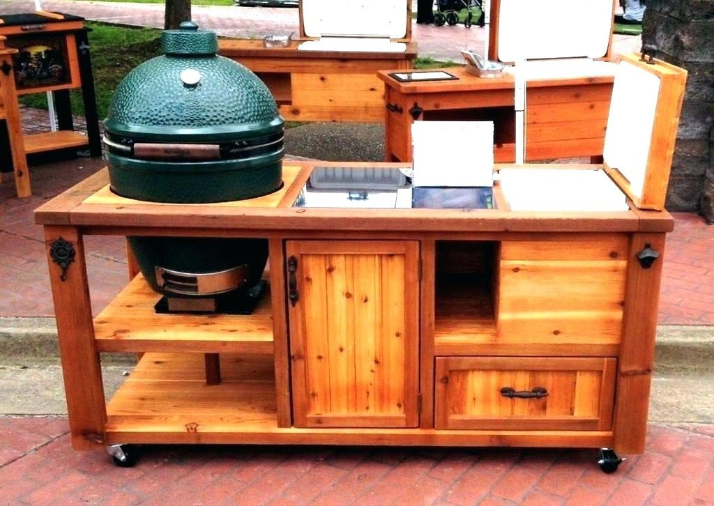 Outdoor kitchen full of warmth