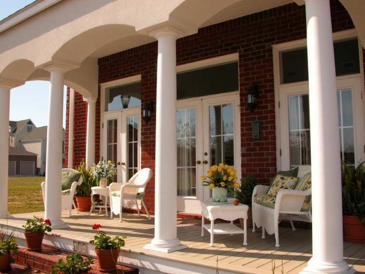 Design a vintage front porch