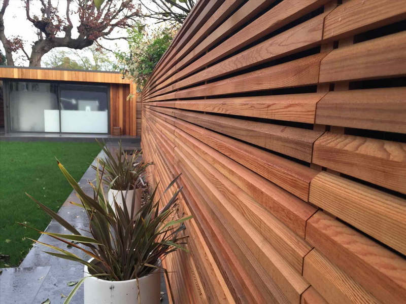 Minimalist Vertical Home Fence Design