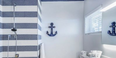 Sailor-style Ceramic Bathroom Design