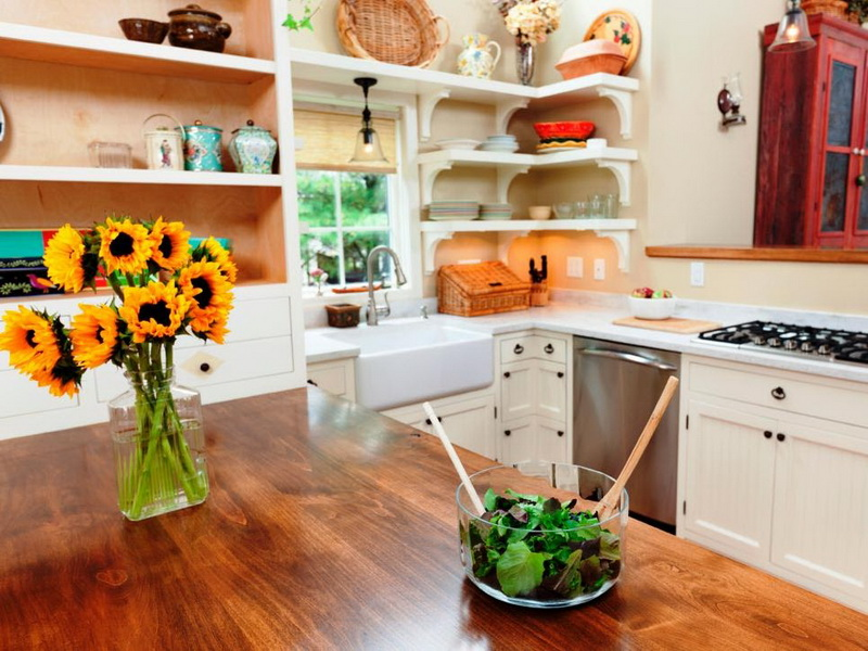 Simple and Cheap Kitchen Design with DIY Furniture