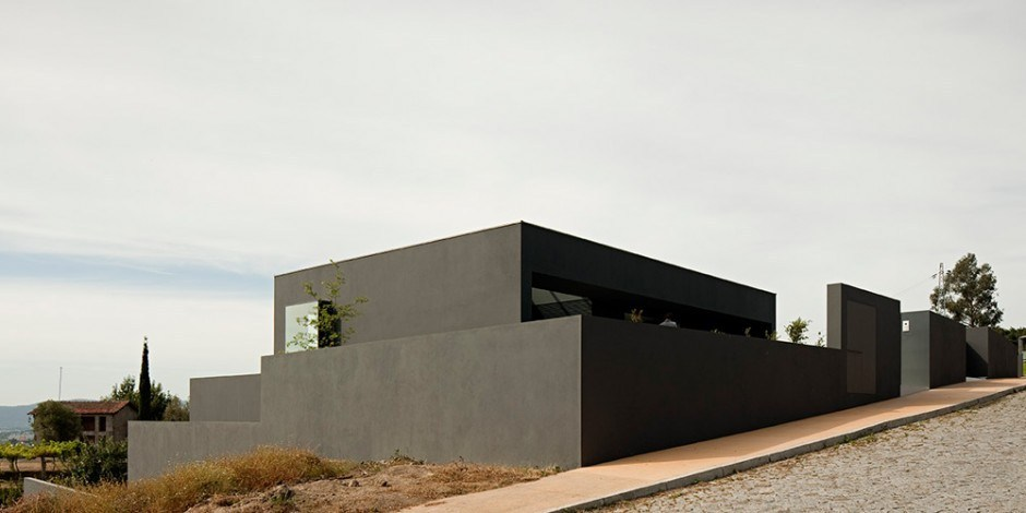 Contemporary House with a Minimalist Face
