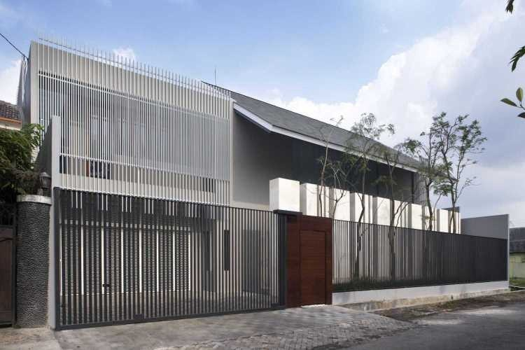 Fence Design that integrates with the entire building