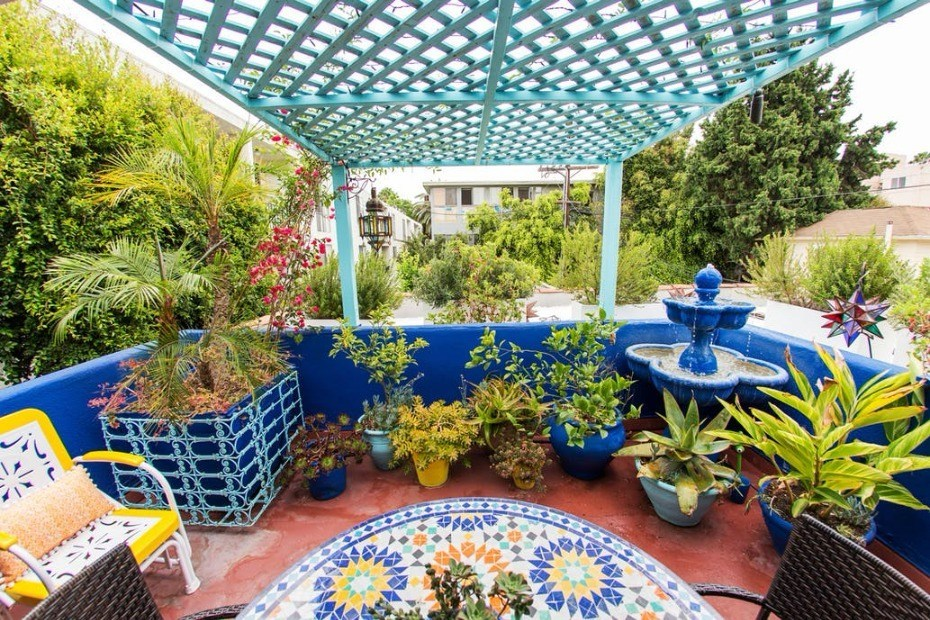 Moroccan terrace design with beautiful electric nuances