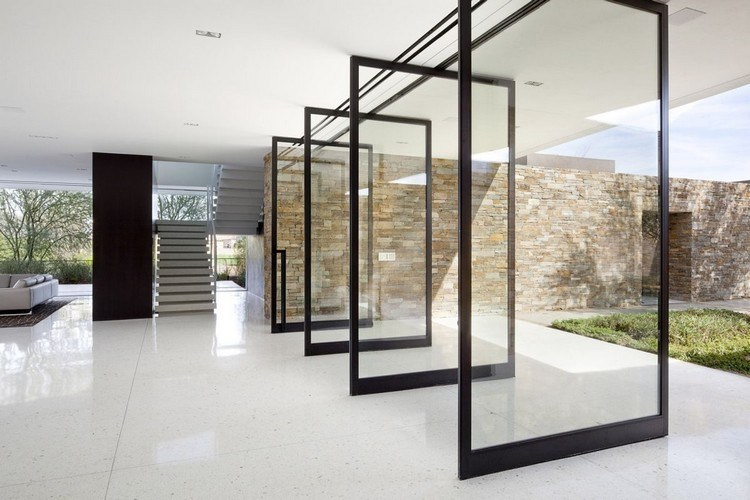 Residential design with glass doors and walls