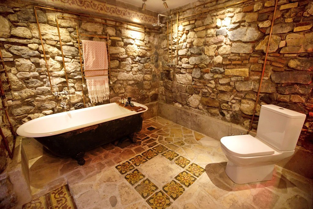 natural stone for bathroom walls