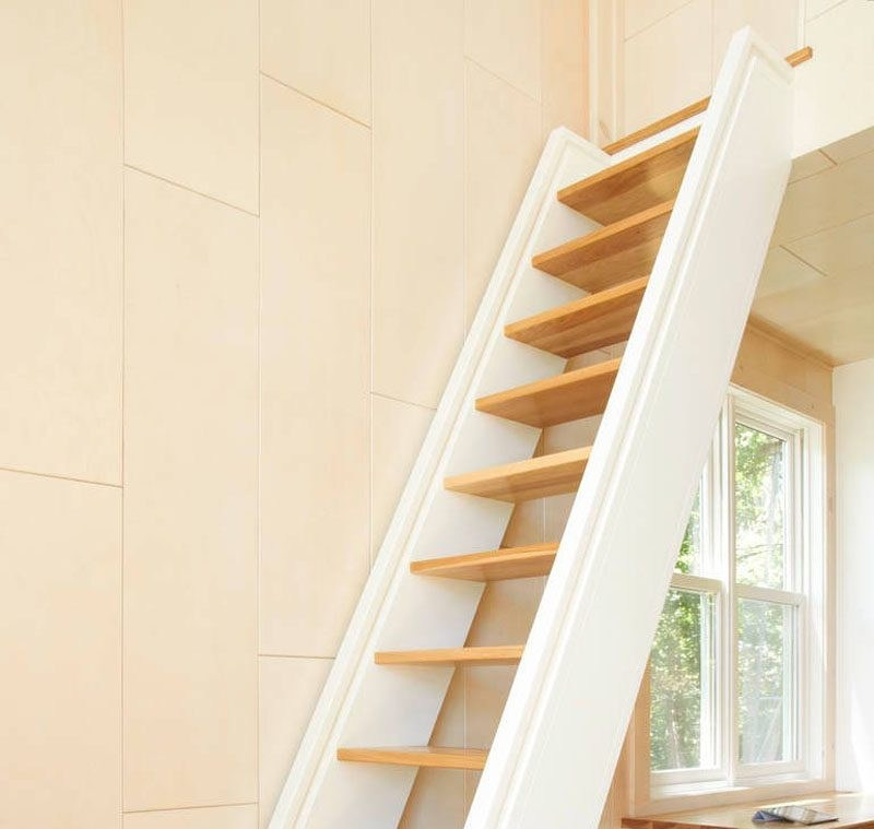 small wooden staircase design